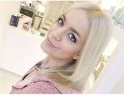 Πόσο λαμπερά έγιναν τα μαλλιά της Josephin μετά από το first shampoo keratin