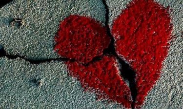 Valentine's Day: Πέρυσι ζευγαρωμένοι… φέτος μπακούρια!