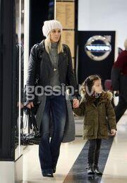 Έλενα Ασημακοπούλου: Για ψώνια με την κόρη της, Μαρία Ροζάρια