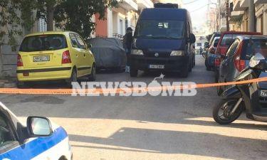 Έγκλημα στο Περιστέρι - ΕΛ.ΑΣ: Οι δολοφόνοι γνώριζαν τα θύματα
