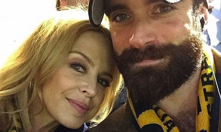 Μέχρι και την… εμφύτευση μαλλιών του πρώην της πλήρωσε η Minogue