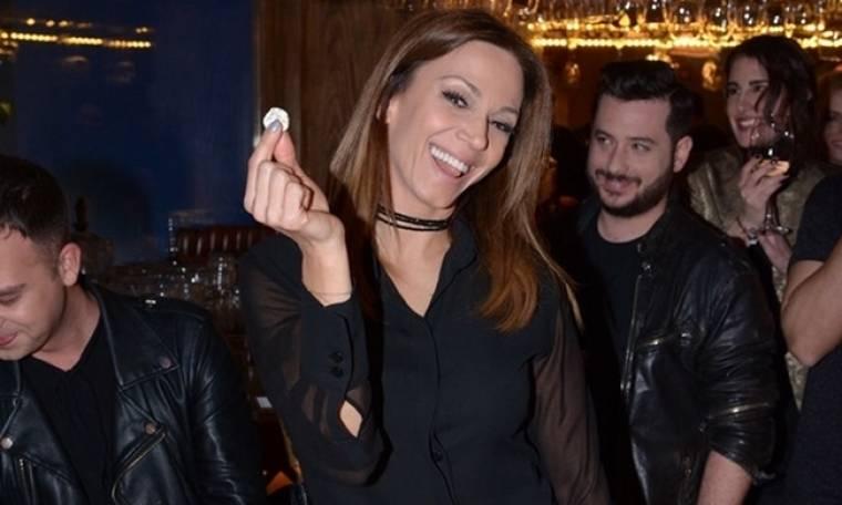 Η Έλλη Κοκκίνου βρήκε το φλουρί στην βασιλόπιτα της Cobalt