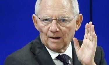 Εμφύλιος στη Γερμανία - Ο Σόιμπλε «πυροβολεί» τον Σουλτς για την Ελλάδα
