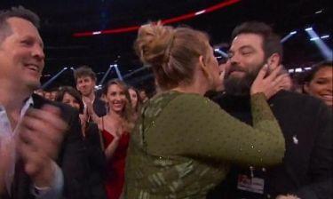Adele: Επιβεβαίωσε τον γάμο της στα βραβεία Grammy