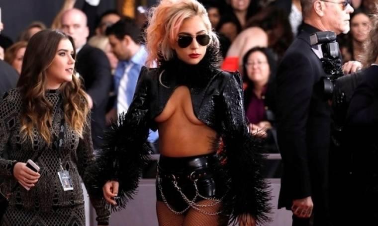 Lady Gaga: Η αποκαλυπτική εμφάνιση στη σκηνή των Grammys