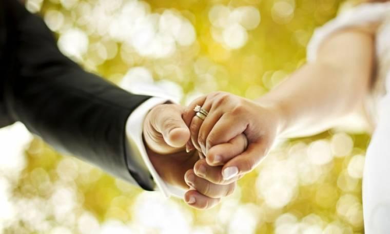 Δεν θα πιστεύετε ποιος Έλληνας τραγουδιστής έχει κάνει… 12 γάμους!