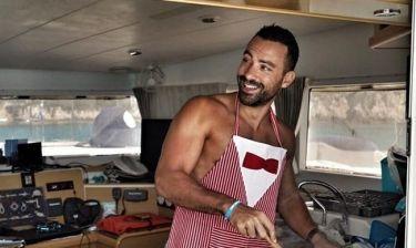 Ο γυμνός Σάκης Τανιμανίδης μαγειρεύει νηστίσιμα μόνο για σένα
