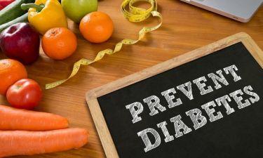 Διαβήτης τύπου 2: Τα 4 φρούτα που μειώνουν έως και 33% τον κίνδυνο
