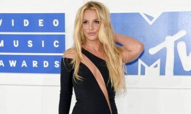 H Britney Spears μόλις μας έδειξε το μυστικό της για τέλειο σώμα