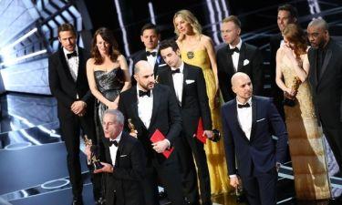 Μην σου τύχει! Ο υπάλληλος που μπέρδεψε τους νικητές των Oscar και έδωσε το αγαλματίδιο αλλού
