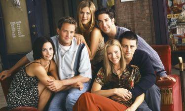 Κι όμως το αρχικό σενάριο της σειράς «Friends» ήταν άλλο