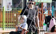Γιώργος Μανίκας: Στην παιδική χαρά με το γιο του