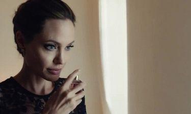 Angelina Jolie: Παρουσίασε το νέο άρωμα του οίκου Guerlain