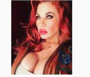 Γέμισε το instagram… στήθος