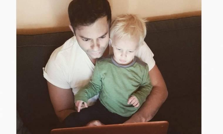 Claydee: Ακούει τραγούδια με τον γιο του