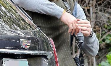 Επανασύνδεση alert! Οι τρυφεροί εναγκαλισμοί πρόδωσαν το -πρώην- ζευγάρι