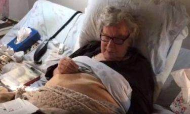 Ο Μίκης Θεοδωράκης στο κρεβάτι παρέα με γάτες- Το video που ανέβασε η κόρη του στο facebook