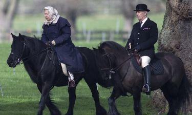 Η 90χρονη βασίλισσα Ελισάβετ κάνει ιππασία
