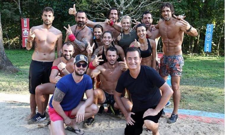 Survivor: Οι πόζες του Τούρκου καναλάρχη με τους παίχτες και τον Τανιμανίδη