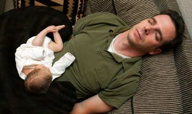 Πατρότητα: Πώς επηρεάζει την ερωτική επιθυμία του άνδρα