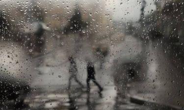 Καιρός: «Πνιγήκαμε» στη βροχή! Πότε θα υποχωρήσει η κακοκαιρία