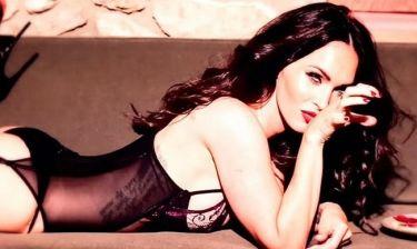 Η αποκαλυπτική  φωτογράφιση της Megan Fox: Με ζαρτιέρες και σέξι εσώρουχα