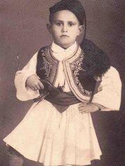 Ο Ξανθόπουλος περιγράφει τον ερχομό του στην Ελλάδα από τον Πόντο, όταν ήταν έξι χρονών