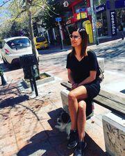 Σέξι σε μεσημεριανή της βόλτα η γνωστή «φρεσκοχωρισμένη» ηθοποιός