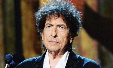 Bob Dylan: Αποδέχτηκε το βραβείο Νόμπελ όταν έμαθε πως κινδυνεύει να χάσει τα χρήματα