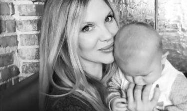 Χριστίνα Αλούπη: Η γλυκιά φωτογραφία με τον μπόμπιρά της