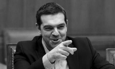 Δεύτερη αξιολόγηση: Υπογράφει, ψηφίζει και φεύγει ο Αλέξης Τσίπρας
