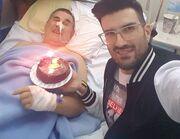 Συγκλονίζει τραγουδιστής με την αποκάλυψη για τον Γολγοθά του πατέρα του. Φωτό από το νοσοκομείο!