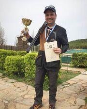 Ντίνος Σιωμόπουλος: Πρωταθλητής στη σκοποβολή