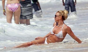 Britney Spears: Πλάτσα πλούτσα στην… Χαβάη