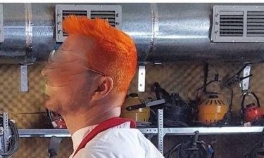 Κι όμως το έκανε! Έβαψε τα μαλλιά του πορτοκαλί