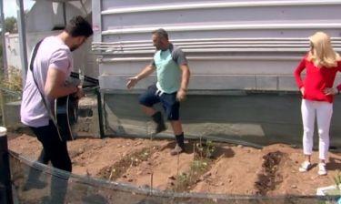 Ελένη Μενεγάκη: Η πιο trendy «αγρότισσα» μας μαθαίνει πώς να φυτέψουμε τα ζαρζαβατικά μας!
