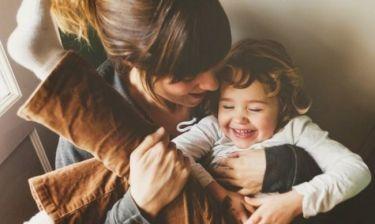 7 σημάδια ότι πρέπει να...χαλαρώσετε με το ρόλο της μαμάς!