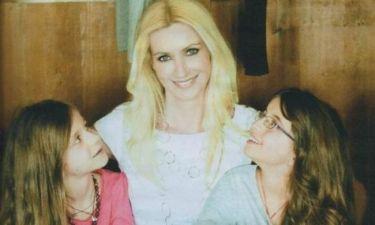 Λένα Αρώνη: «Η ζωή με τις κόρες μου είναι καταπληκτική και δύσκολη»