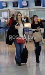 Εύα Καϊλή: Σικάτη ακόμη και στο αεροδρόμιο