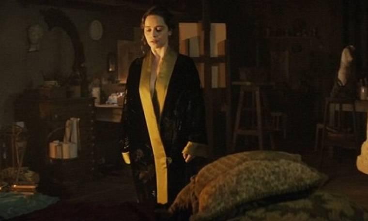 Η Emilia Clarke σε νέες γυμνές σκηνές