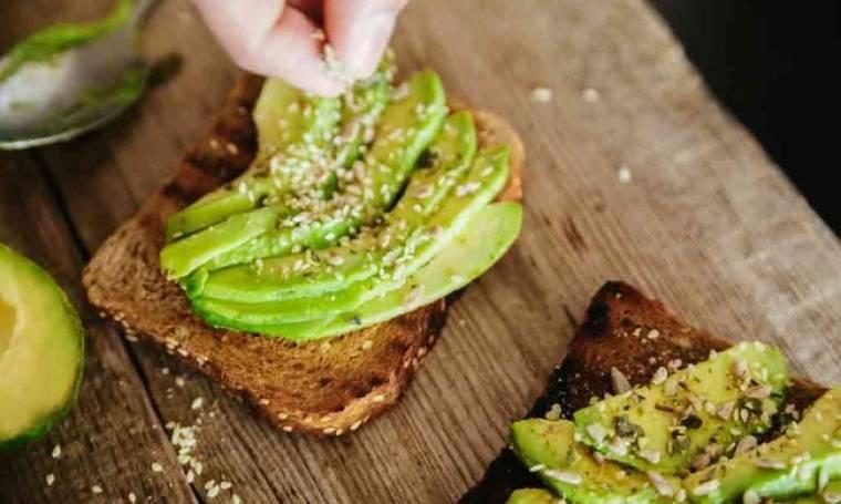 Αβοκάντο: 5 λόγοι για να το εντάξεις από σήμερα στη διατροφή σου!