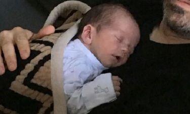 Ο νεογέννητος γιος του γνωστού μπαμπά αμέσως μετά τον τοκετό έκανε χειρουργείο ανοιχτής καρδιάς