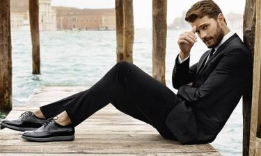 Ο Jamie Dornan βγήκε πιο γυμνασμένος από ποτέ στην παραλία και εδώ θέλουμε την προσοχή σου!