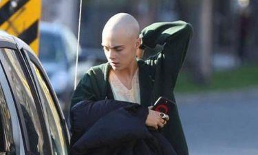 Cara Delevingne:  Ξύρισε τα μαλλιά της και στέλνει το μήνυμα της