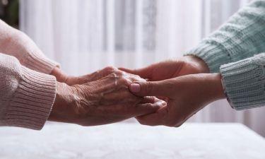 Πρόληψη άνοιας: Ο ρόλος των οικογενειακών δεσμών