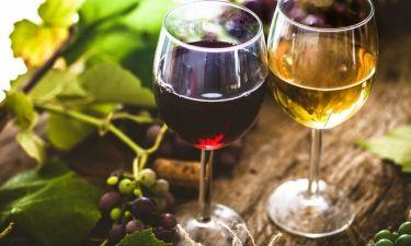 Αλκοόλ: Σε ποια ποσότητα ανακουφίζει από τους χρόνιους πόνους
