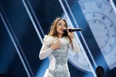 Eurovision 2017: Αλβανία: Με πέπλο πάνω στη σκηνή η Lindita