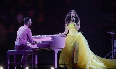 Eurovision 2017: Ελβετία: Τα πούπουλα, τα ρωμαϊκά σύμβολα και τα συννεφάκια