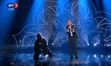 Eurovision 2017: Ξεσήκωσαν ο Ιταλός και ο γορίλας του με το «Occidentali's Karma»