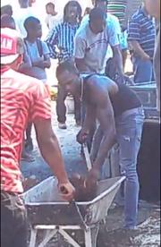 Ανατριχιαστικές εικόνες: Ο Bolt σκάβει τον τάφο του φίλου του